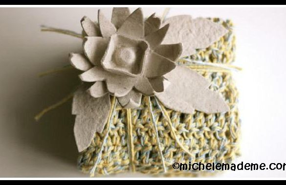 How to make an Egg Carton Flower Bow