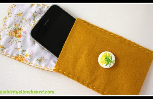 Felt Phone Case DIY Tutorial