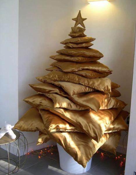 Pillow Christmas Tree DIY Tutorial