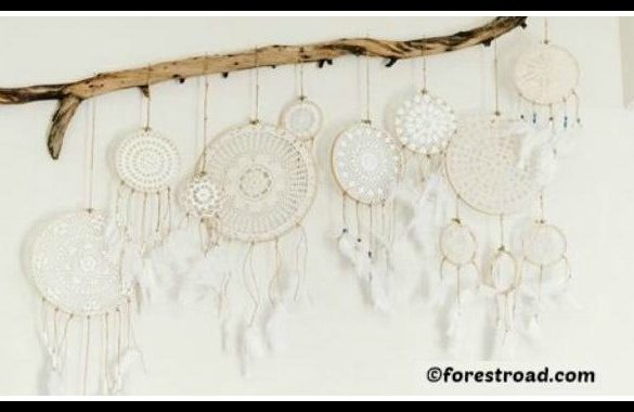 DIY Doily Dreamcatcher Tutorial