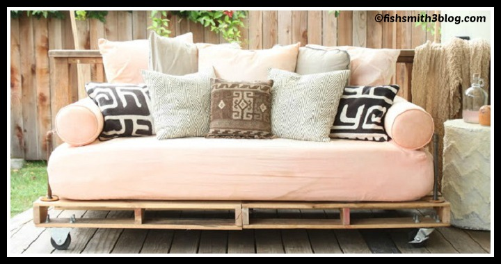 DIY Pallet Couch Tutorial