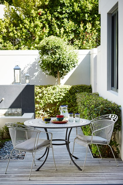 John-Lewis-decking-house-19jun15_pr_b_426x639