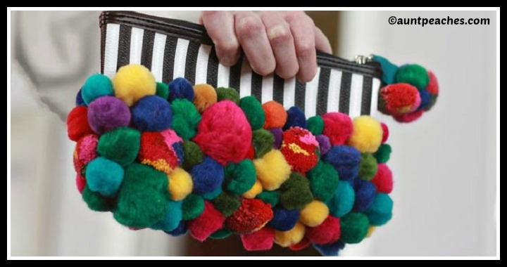 DIY Pom Pom Purse Tutorial