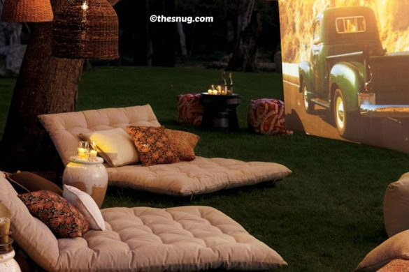 DIY Backyard Movie Theater Tutorial.jpg